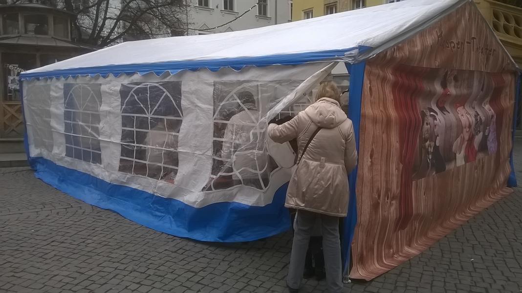 Kasperlzelt am Weihnachtsmarkt